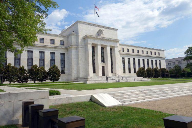 ФРС оставила базовую процентную ставку на прежнем уровне