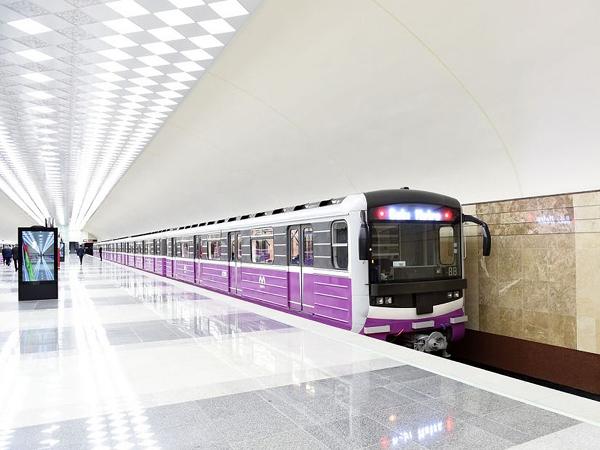 Линии бакинского метро разделят