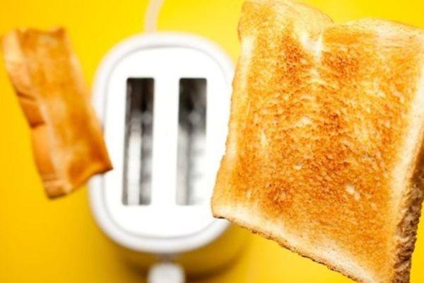 Почему подгоревший тост опасен для здоровья?