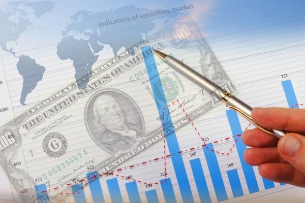 В первом полугодии манат укрепился к доллару США на 3,9%