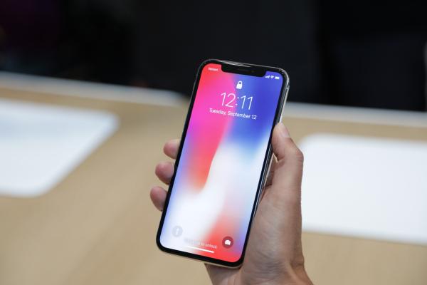 Вступили в силу новые пошлины на ввоз мобильных телефонов