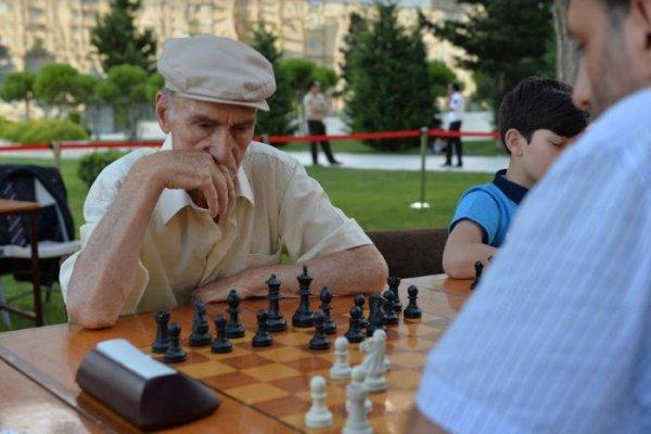Минздрав озвучило среднюю продолжительность жизни в Азербайджане