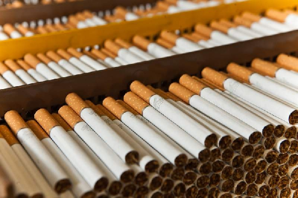 В Азербайджане снижены нормы ввоза алкоголя и сигарет для личного пользования
