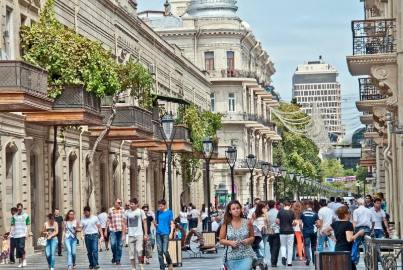 Население Баку выросло