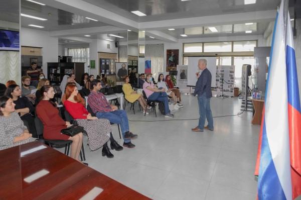 В Баку стартовал международный проект «Школа реальной журналистики»