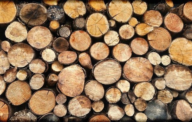 В Финляндии открыли автомат по продаже дров